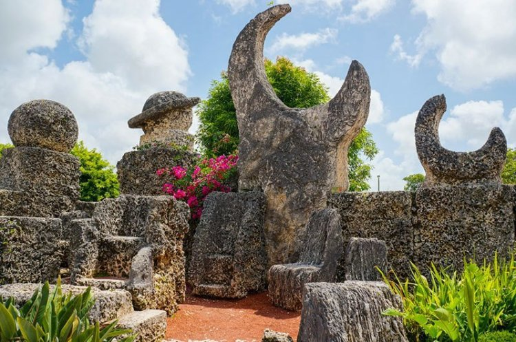 coral-castle-solar-sculpture